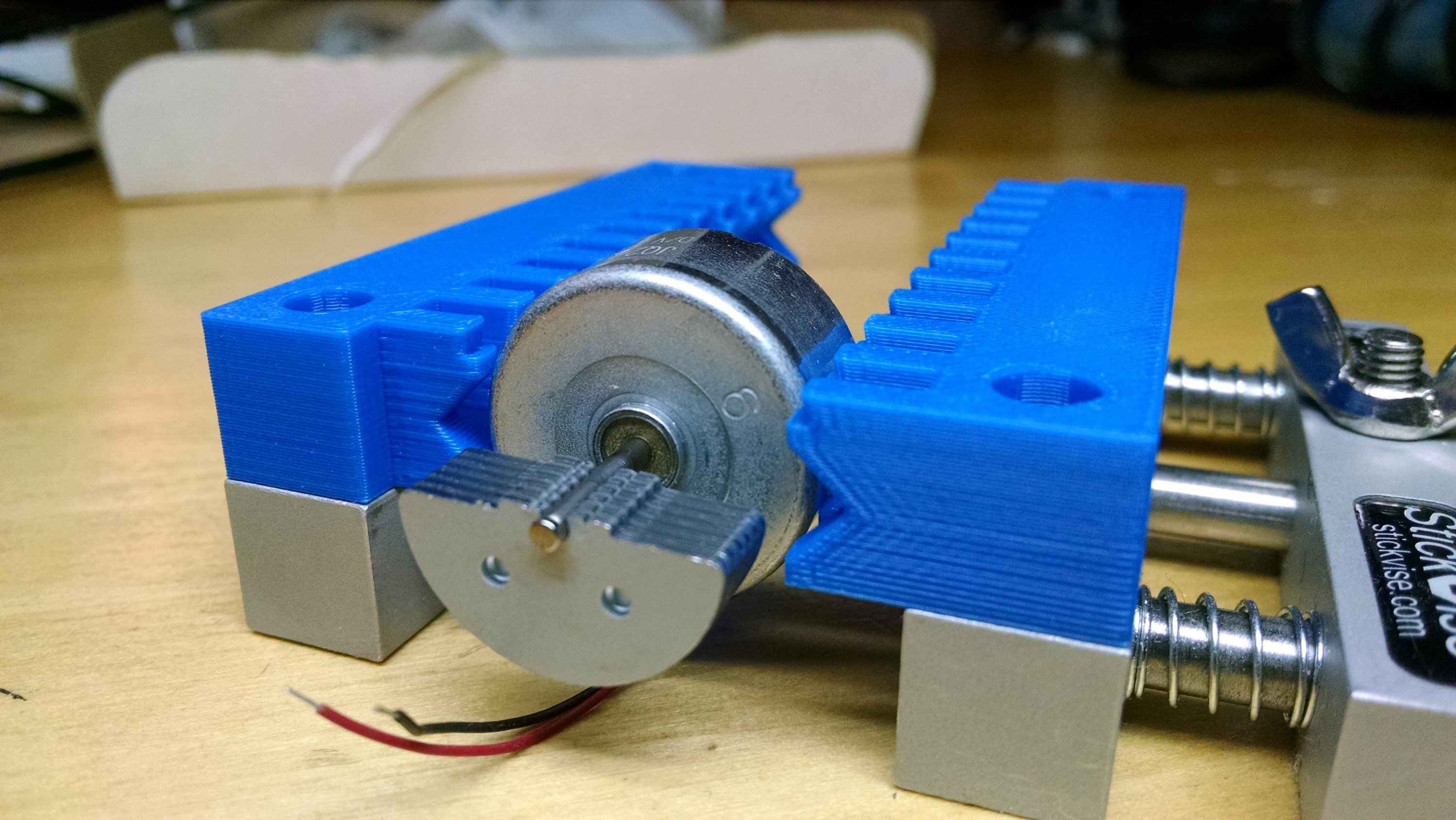 Stickvise Hacks For The Low Profile Pcb Vise Picture Of Make A 3d Printed Circuit Board That Works Interlocking V